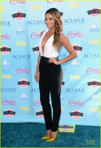 ashley-benson-shay-mitchell-teen-choice-awards-2013-05