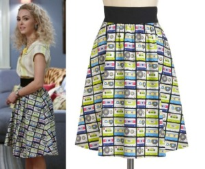 Carrie-Diaries-AnnaSophia-Cassette-Tape-print-skirt