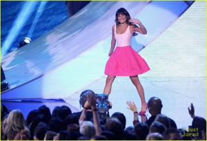 lea-michele-cory-monteith-teen-choice-high-res-01