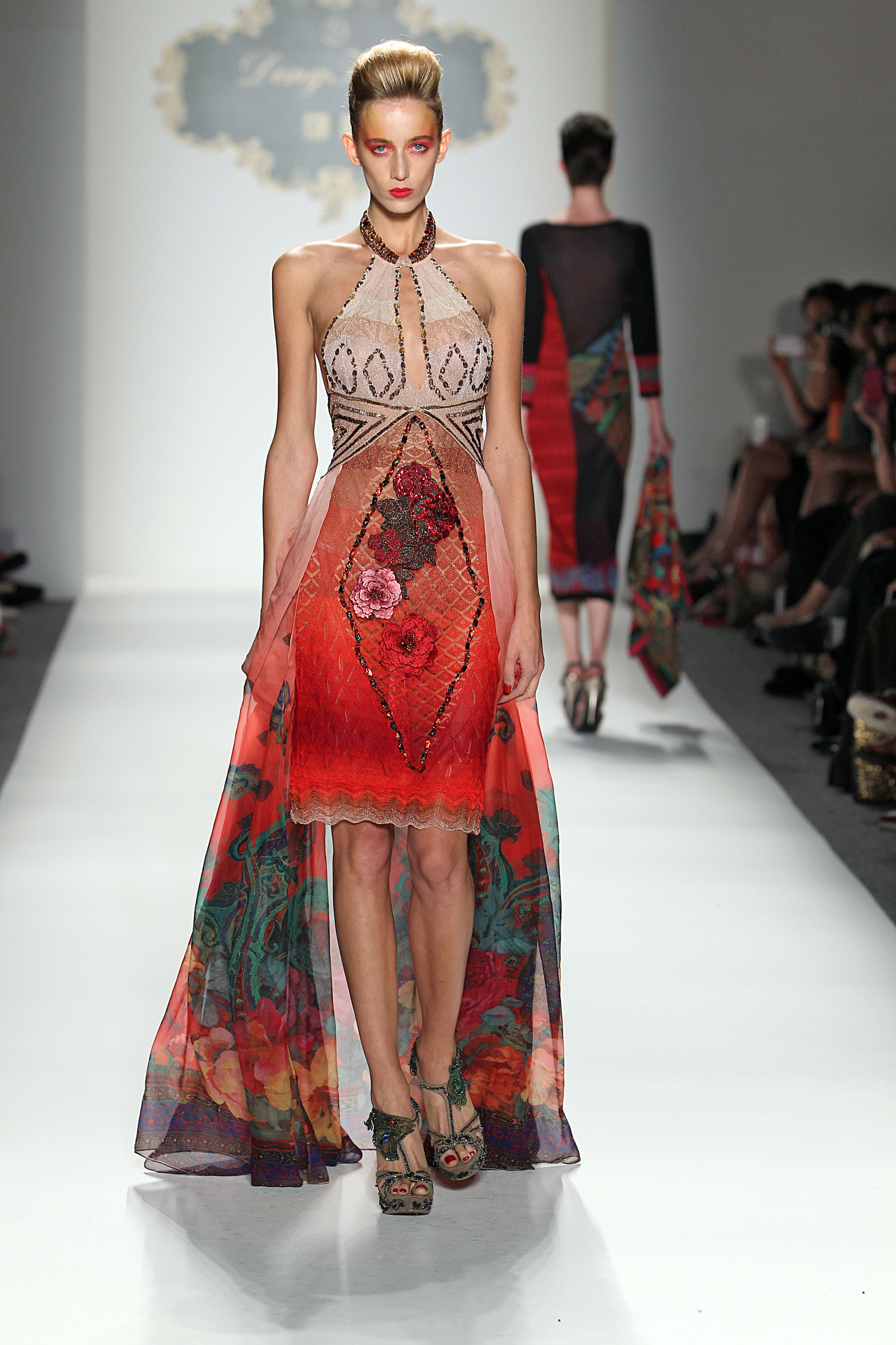 Fashion Shenzhen, Collection #2: Denghao Is Exotic And