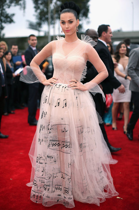 katy-perry-valentino-couture-grammys-red-carpet-best-dressed-h724