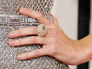 taylor-swift-ring