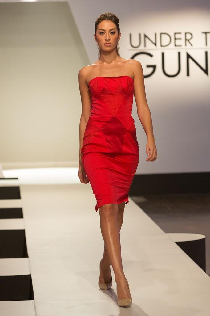 UTG103-Michelle-Uberreste-Look-Front