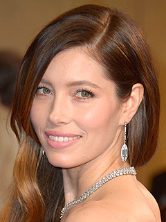 jessica-biel-earrings