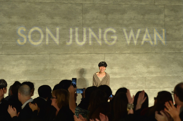 Son+Jung+Wan+Front+Row+Mercedes+Benz+Fashion+ooOsLYNkOoOl