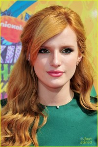 bella-thorne-kid-choice-awards-201403