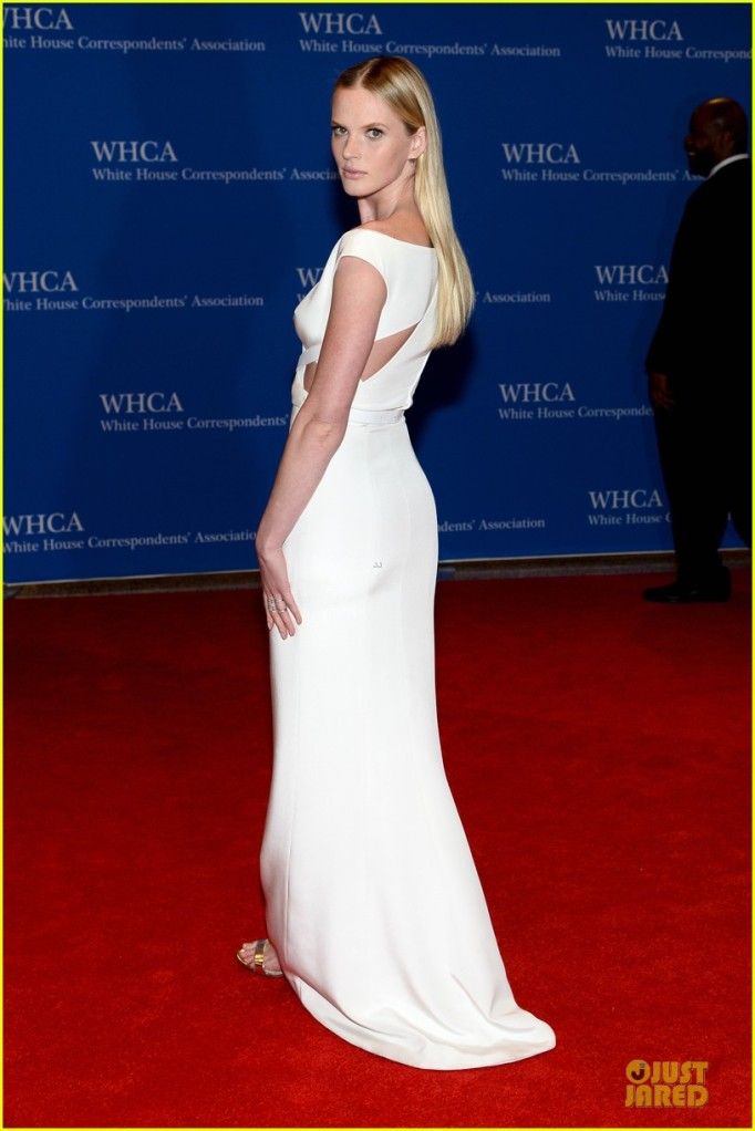 anne-v-irina-shayk-white-house-correspondents-dinner-2014-06