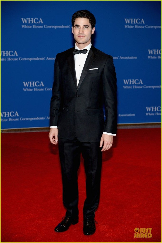darren-criss-jeremy-irvine-white-house-correspondents-dinner-2014-01