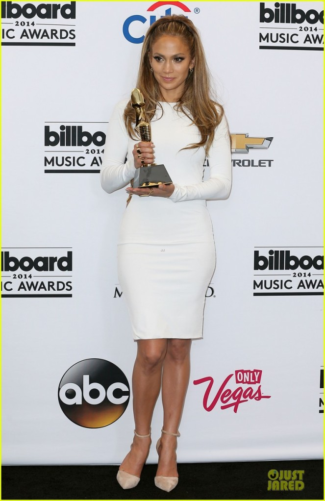 jennifer-lopez-vision-white-billboard-press-room-01