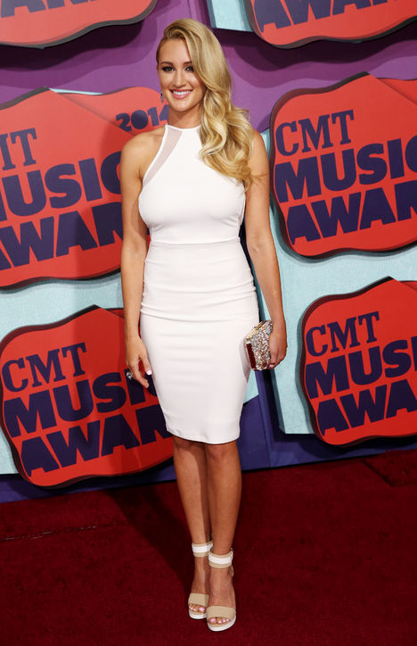 brittany-kerr-white-dress-cmt-music-awards-2014-h724